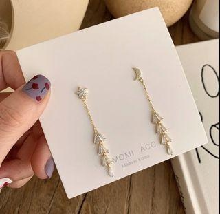 Star moon earrings