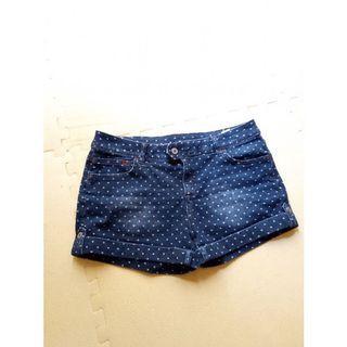 品牌Lativ率性風彈性牛仔短褲