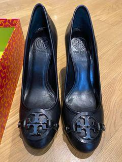 Brand new authentic Tory Burch black high heel size 9.5 in box.