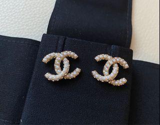Chanel超美新款珍珠鑲鑽耳環