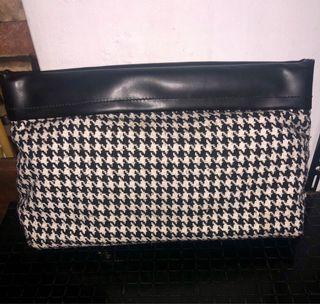 Clovis Houndstooth Clutch Bag