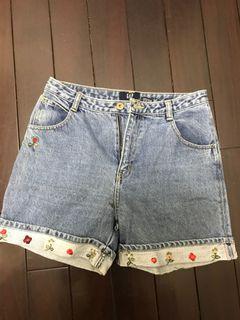 Gap花花刺繡短褲 腰圍平量36公分