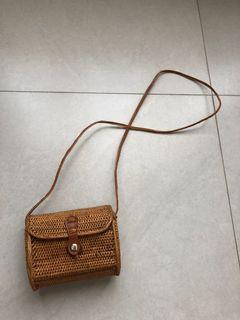 Lombok Wicker Rattan Mini Sling Bag | Tas Selempang Anyam Rattan