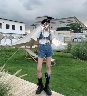 夏季牛仔套裝三件套 牛仔背心+牛仔短褲+短版白襯衫 三件套裝 度假風牛仔套裝 休閒穿搭 百搭套裝 OT310