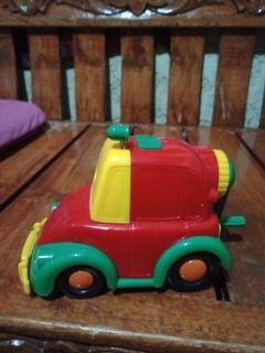 Car pencil sharpener