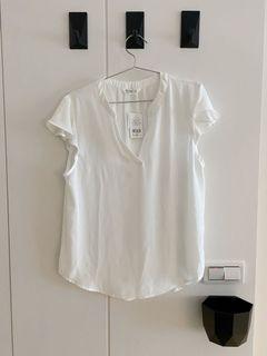 NET白色上衣、v領上衣