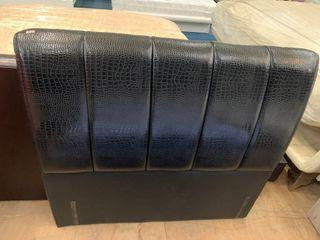 大慶二手家具 3.5尺皮革床頭片/床頭箱/床頭櫃/床組