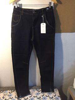 全新深藍牛仔褲 薄 有彈性 XL 加大