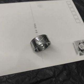 Nike 戒指 首飾 飾品 古著 特別 穿搭 搭配