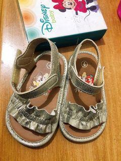 Original Disney Baby Sandals  Size 4 from US. Outgrown by my baby girl. Slightly used.  1-3 years old. Usually all the shoes worn by her were used once only or twice.