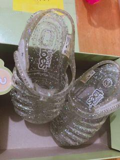 Original Teeny Toes Pink Sandals Size 3 from US. Outgrown by my kid. Slightly used.  1-3 years old