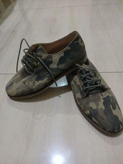 Sepatu wanita amble