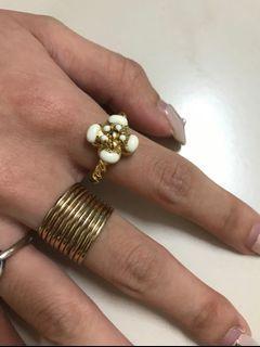 戒指,朋友送的,2個一起賣