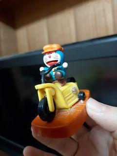 哆啦A夢騎馬公仔