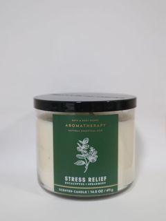 Bath and Body Works Aromatherapy Stress Relief Candle (411g/14.5oz)