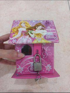 Celengan Rumah Gambar Barbie Warna Pink Ada Gembok+Kunci Lucu Murah