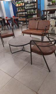 Meja dan kursi taman bisa cicil