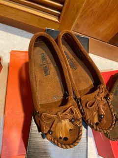 MINNETONKA墨卡辛包鞋(卡其色)