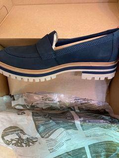 Timberland深藍色休閒鞋