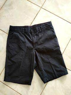 Uniqlo Dark Navy Short Pants