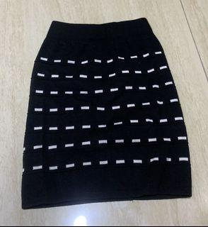 彈性包臀窄裙