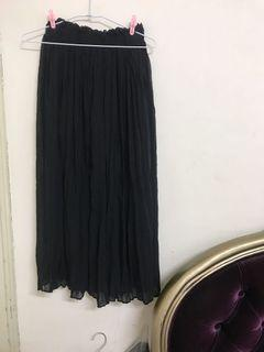 黑色皺皺長裙
