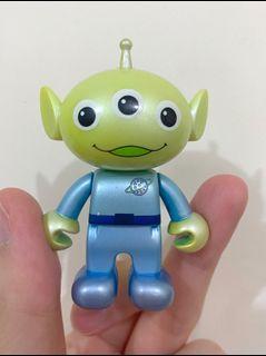 絕版 中古  迪士尼 反斗奇兵 三眼仔 公仔 擺設 擺件 收藏 鎖匙扣 disney toy story pixar alien figure toys doll 迷你 mini smile snap 珠光色