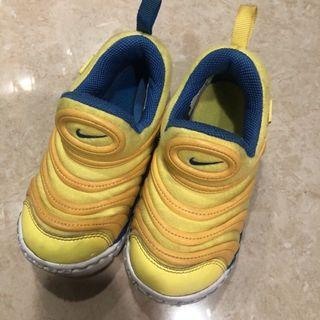 Nike 毛毛蟲兒童運動鞋