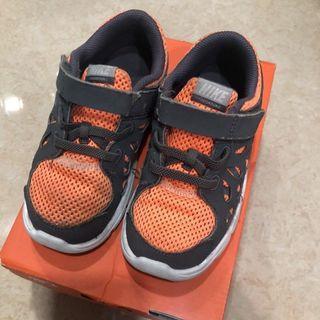 Nike kids Fusion Run 2 兒童運動鞋