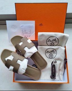 Authentic Hermès Oran Sandals in Etoupe Epsom Leather