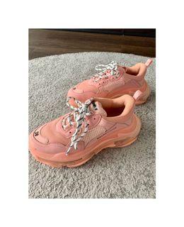 Balenciaga sneakers size US 8