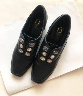 DAPHNE達芙妮方頭寶石踝靴 高圓圓系列 粗跟 低跟鞋 黑色 造型 皮鞋 樂福鞋 懶人鞋 24 38