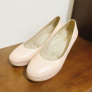 Diana 粉色跟鞋