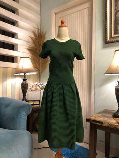 Green Dress stretch