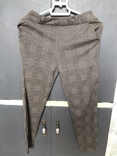 Plaid brown jeggings with belt lining