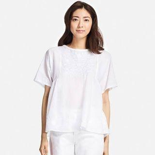 Repriced!!! Uniqlo Lawn Embroidery Blouse