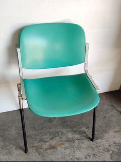 二手新茂系統椅,椅腳都是不銹鋼