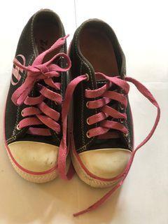 Sepatu anak/ sepatu roda anak