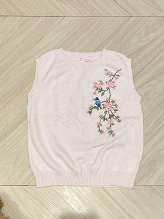 Like new gingersnap embroidered cotton crop knit
