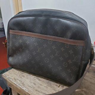 Louis Vuitton Reporter GM lv not gucci prada