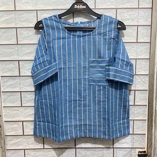 Atasan Biru Garis-garis (Blue Stripes Blouse)
