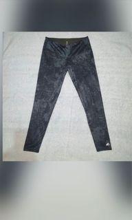 Authentic Adidas leggings Size Large