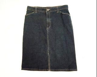 Denim pencil jean skirt with pockets!