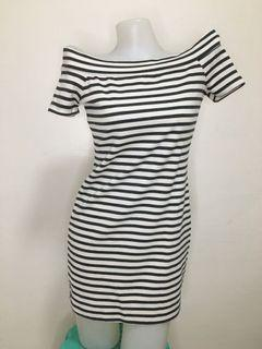 offshoulder stripe dress
