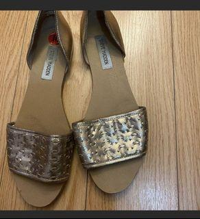Steve m flat sandals size 10