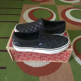 VANS - CLASSIC SLIP ON CHECKERBOARD BLACK / BLACK