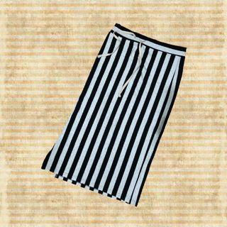 側開抽繩直條紋裙(彈性)