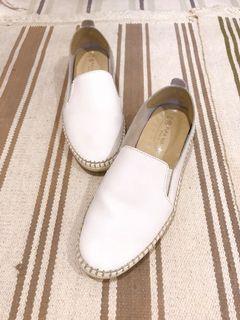富發牌-白色平底鞋、懶人鞋