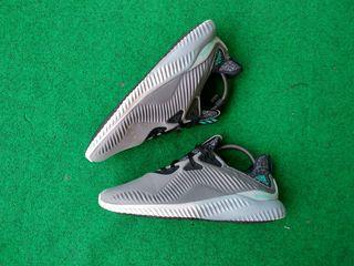 Adidas AlphaBounce grey