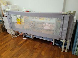 Baby bed guard rail